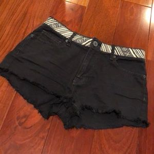 Kendall & Kylie cutoff black denim shorts size 3